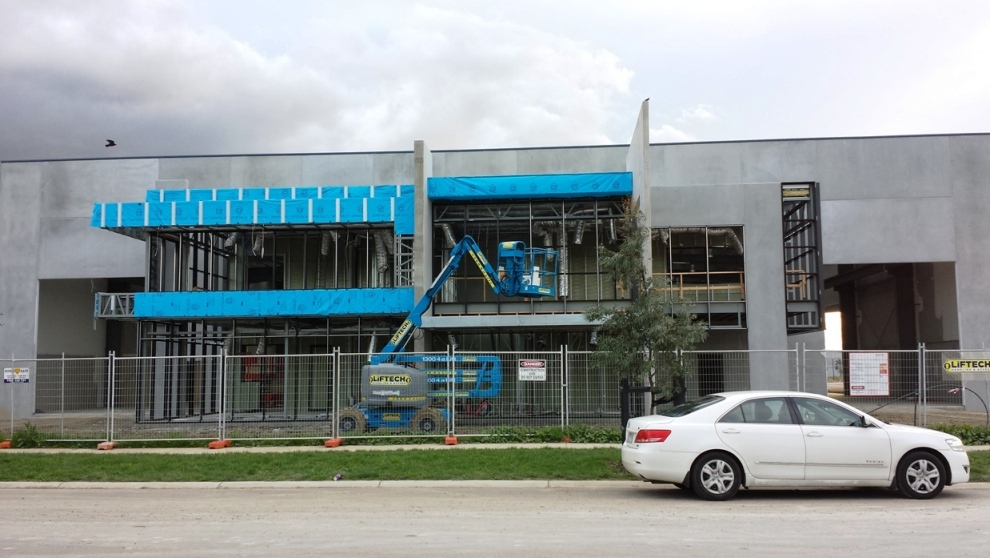 Installation of Alucobond Façade cladding at Liftech office, Dandenong South